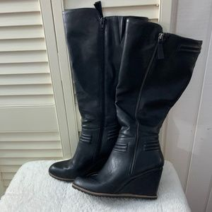 Crown Vintage | Black Emm Wedge Boot
